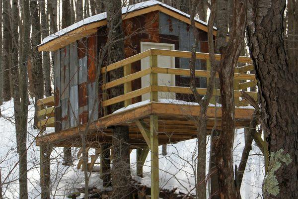 treeshack-rear-porch